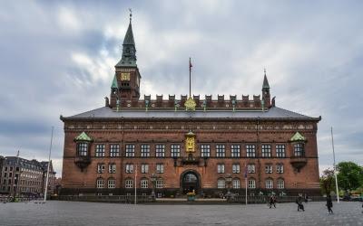 6/2 kl.10.45 Københavns Rådhus med Danske Seniorer @ Københavns Rådhus