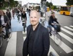 Morten portrt med cykler bag sig